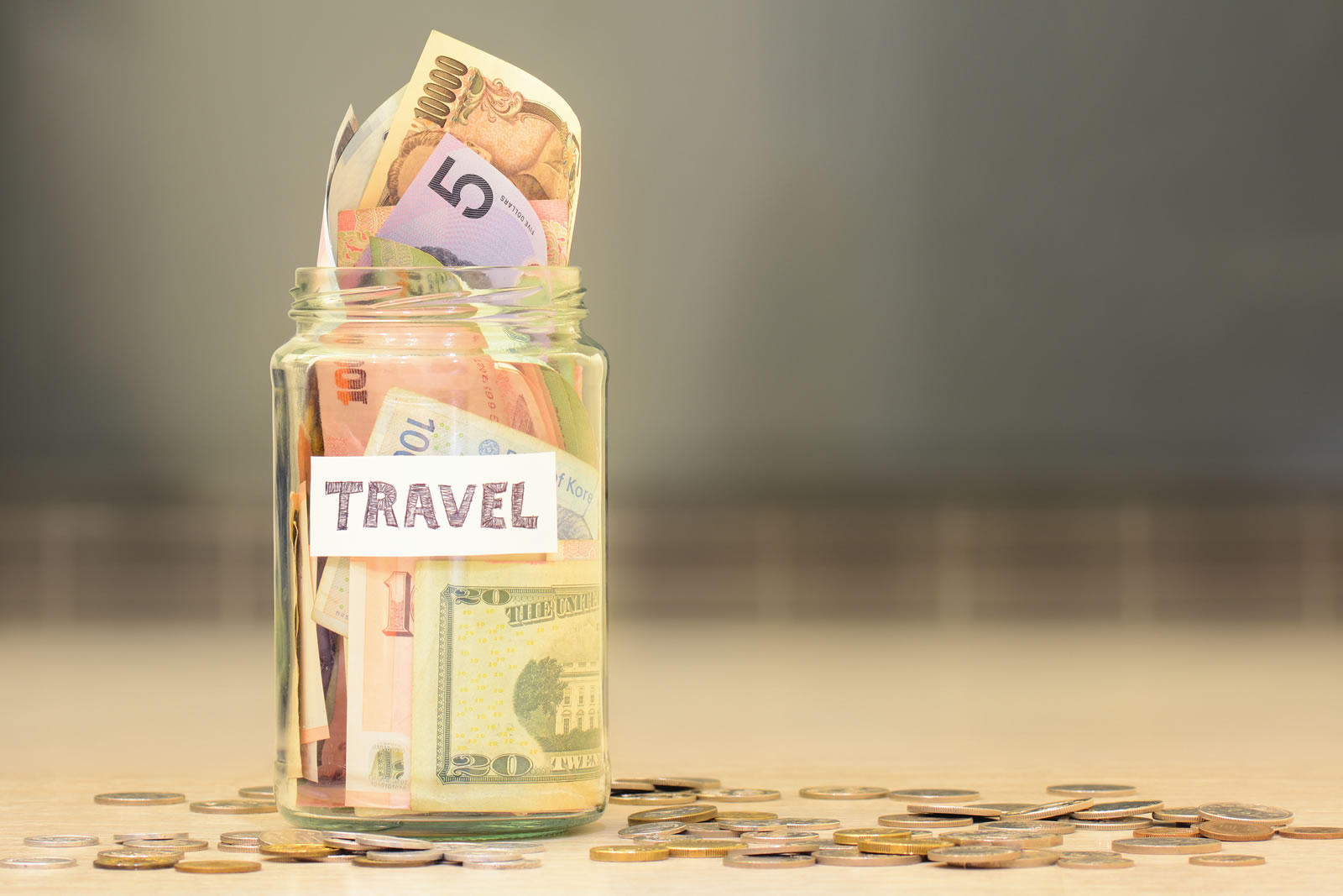 Travelling overseas? Here are  4 tips to maximise your savings potential!:image student-money-saving-tips-travel-01